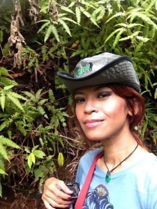 Narsis aah di hutan :p