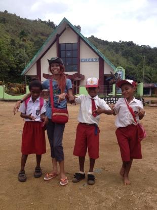 Bersama anak-anak Tablasupa