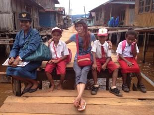 Bersama Mama Mince dan murid-muridnya
